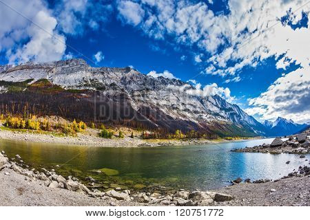 Jasper national park, Canada. The picturesque Medicin Lake, has strongly shoaled in the fall