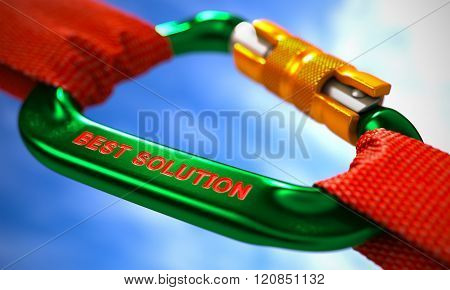 Best Solution on Green Carabiner between Red Ropes.