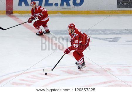 E. Bodrov (10) Dribble