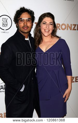 LOS ANGELES - MAR 7:  Kunal Nayyar, Mayim Bialik at the The Bronze Premiere at the SilverScreen Theater at the Pacific Design Center on March 7, 2016 in Los Angeles, CA