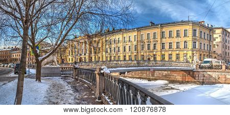 Griboedov Canal and Bridge of Four Lions in winter scene, HDR