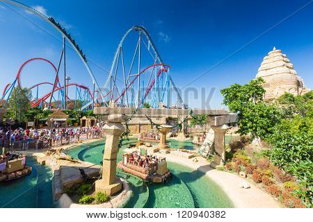 Salou, SPAIN - AUGUST 26, 2014: Amusement Park Port Aventura