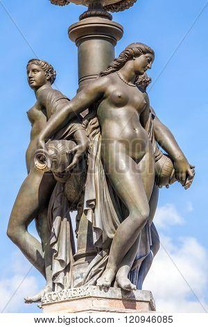 Fountaun Three Graces - Symbol Of Bordeaux