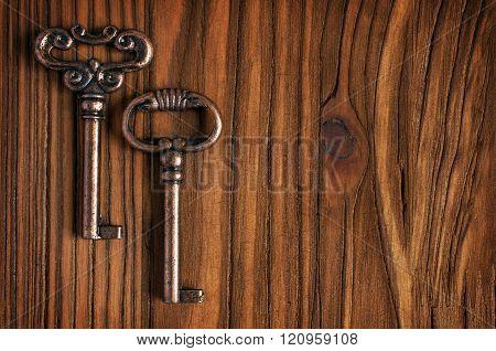 Bronze Vintage Keys
