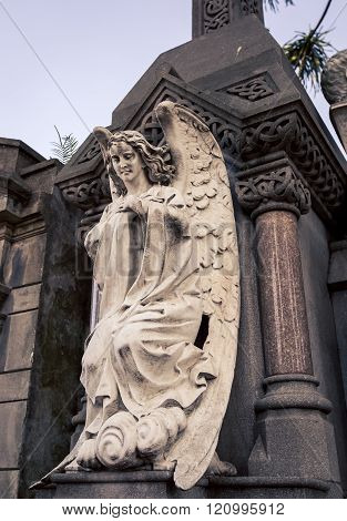 angel on a tomb