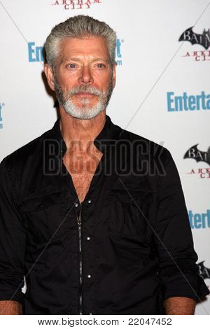 LOS ANGELES - JUL 23:  Stephen Lang arriving at the EW Comic-con Party 2011 at EW Comic-con Party 2011 on July 23, 2011 in Los Angeles, CA