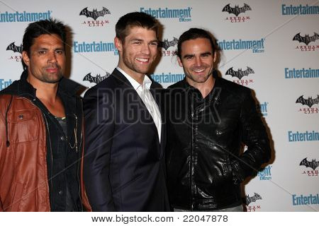 LOS ANGELES - JUL 23:  Manu Bennett, Liam McIntyre, Dustin Clare arriving at the EW Comic-con Party 2011 at EW Comic-con Party 2011 on July 23, 2011 in Los Angeles, CA