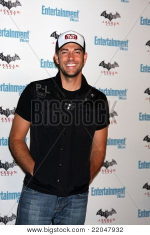 LOS ANGELES - JUL 23:  Zachary Levi arriving at the EW Comic-con Party 2011 at EW Comic-con Party 2011 on July 23, 2011 in Los Angeles, CA