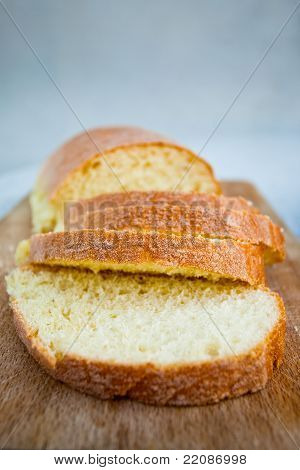 Sicilian Semolina Yellow Bread