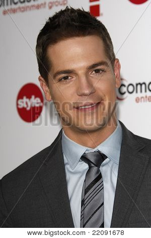 PASADENA - JAN 5: Jason Kennedy at the Comcast Entertainment Group TCA Cocktail Reception held at the Langham Hotel, Pasadena, California on January 5, 2011