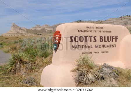 Scotts Bluff National Monument sign