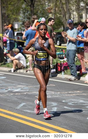 Genet Getaneh (ethiopia) races up Heartbreak Hill