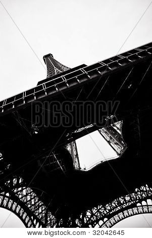 silhouette of the Eiffel Tower