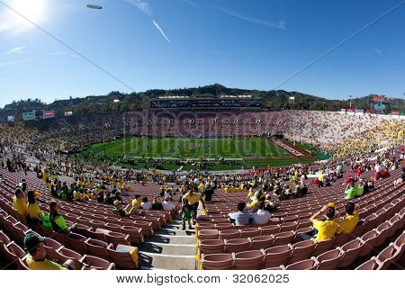 PASADENA, CA. - JAN 2: A general view of the Rose Bowl before the NCAA 98th Rose Bowl Game presented by Vizio on Jan 2 2011 between the Wisconsin Badgers & the Oregon Ducks at the Rose Bowl.