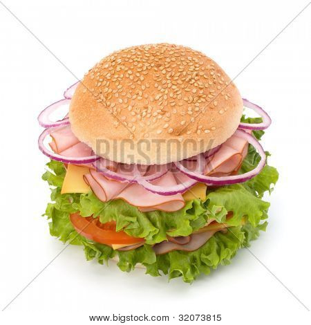 Fast-food, grande apetitoso sanduíche com alface, tomate, presunto e queijo, isolado no branco traseiro