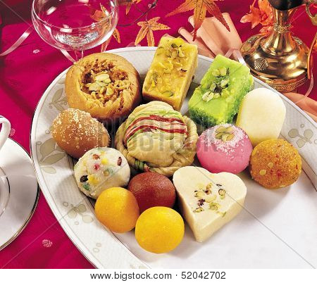 Mix Mithai in Tray