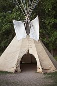 picture of teepee  - Native American TeePee at Devil - JPG