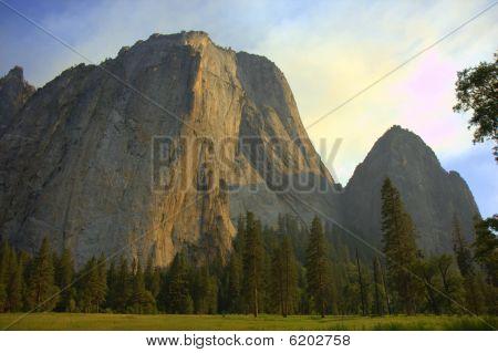 Yosemite Peaks