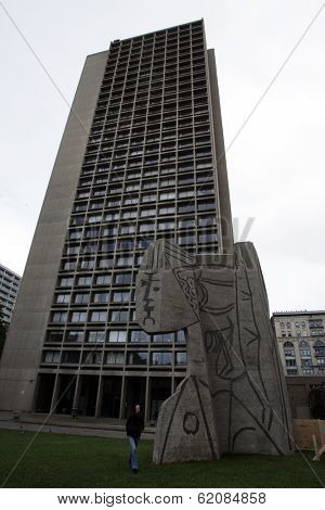 NEW YORK CITY - OCTOBER 31: In the yard of I.M. Pei's University Village stands an 60-ton concrete enlargement of a Picasso's sculpture, Bust of Sylvette in New York City on Friday, October 31, 2008.
