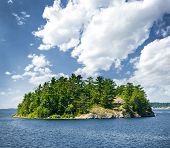 pic of windswept  - Small rocky island in Georgian Bay near Parry Sound - JPG