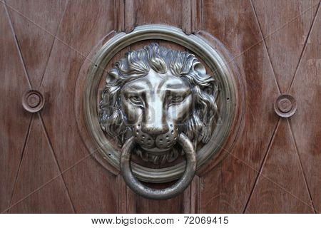 Door-handle In Shape Of Lion