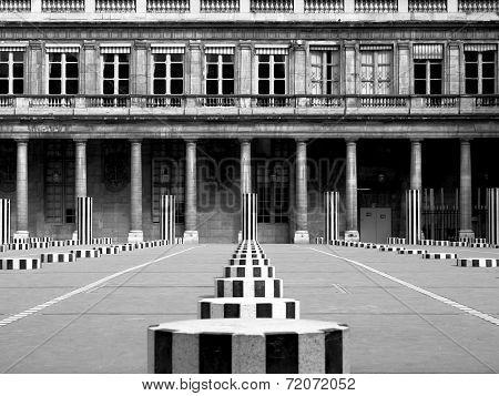 Palais-Royal (1639), originally called Palais-Cardinal, it was personal residence of Cardinal Richel