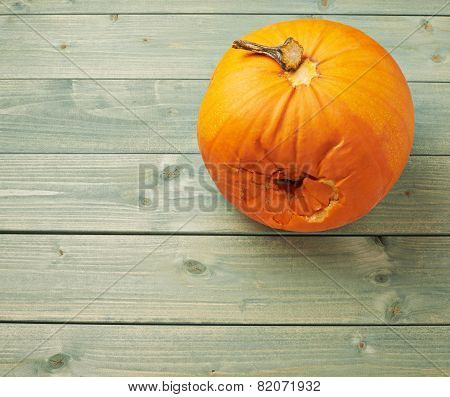 Spoiled orange pumpkin composition