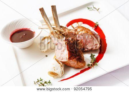 ribs with sauce