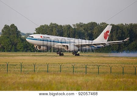 BUDAPEST, HUNGARY - MAY 31, 2015: Air China Airbus A330 landing at Budapest Liszt Ferenc Airport.
