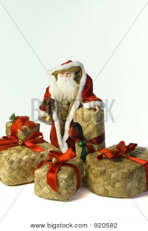 Santa W Baskets Close
