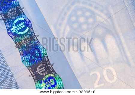 Security features on a 20-euro banknote