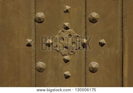 a picture of an exterior 1920's wood door detail