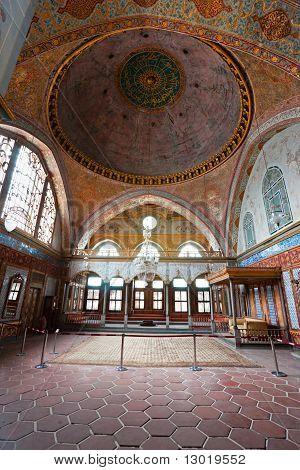 Beautiful Decoration Inside Topkapi Palace, Istanbul.