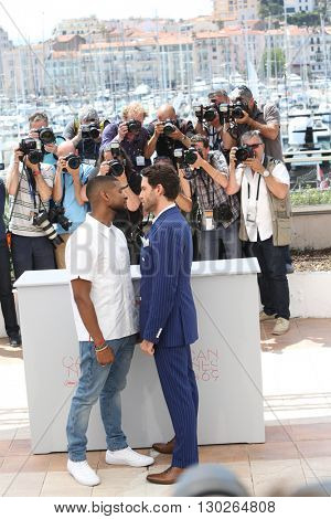 Usher, Edgar Ramirez  at the photocall for Hands Of Stone at the 69th Festival de Cannes.