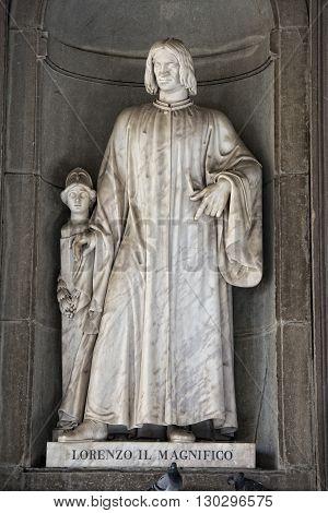 Florence Uffizi Statue Lorenzo Il Magnifico