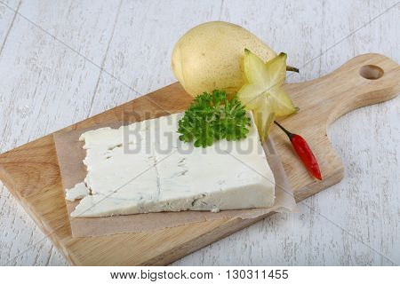 Gorgonzola Cheese With Pear