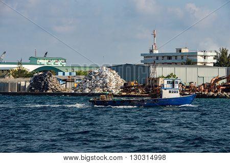 Maldives Rubbish Island Garbage In Flames