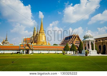 Ancient thai buddhism temple Wat Phra Kaew. Tracional asian architecture of Bangkok.