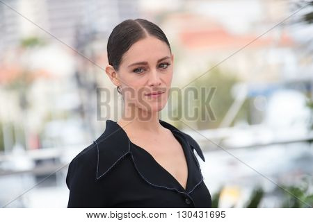 Ariane Labed attends the 'The Stopover (Voir Du Pays)' photocall during the 69th Annual Cannes Film Festival at the Palais des Festivals on May 18, 2016 in Cannes, France.
