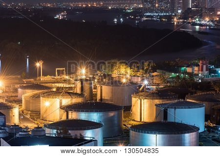 Refinery Factory Oil Tanks