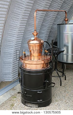 Copper Still Apparatus for Distilling Alcohol Beverage