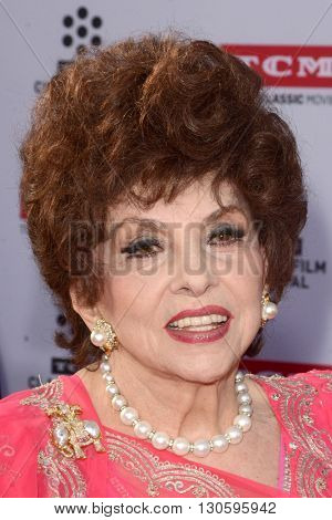 LOS ANGELES - APR 28:  Gina Lollobrigida at the TCM Classic Film Festival Opening Night Red Carpet at the TCL Chinese Theater IMAX on April 28, 2016 in Los Angeles, CA