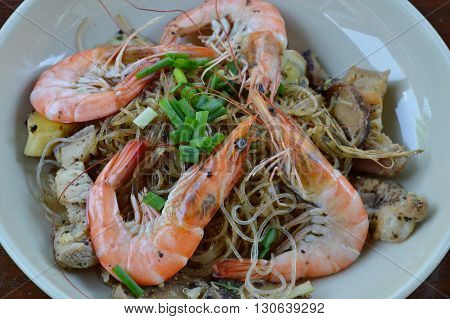 prawn steamed with glass noodle on dish