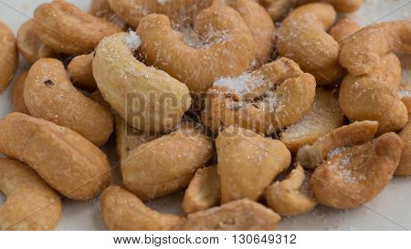 Cashews,nuts,Salted Cashews, Cashews and sprinkle salt., baked beans,Nuts, salt and baking.,Nuts, hors d'oeuvres