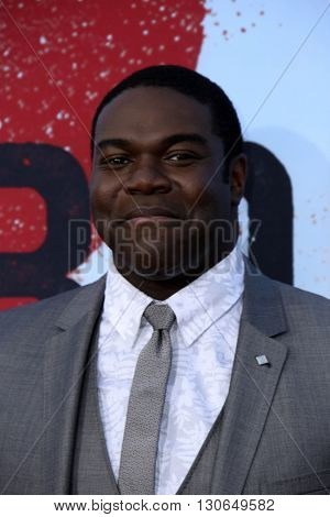 LOS ANGELES - MAY 20:  Sam Richardson at the Neighbors 2: Sorority Rising American Premiere at Village Theater on May 20, 2016 in Westwood, CA