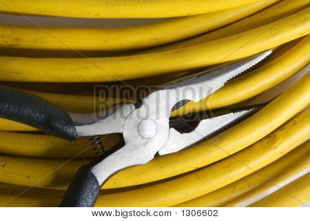 Plyers And Cable