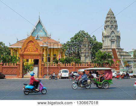 PHNOM PENH CAMBODIA - MARCH 17 2015 : Wat Ounalom in Phnom Penh headquarter of Cambodian Buddhism