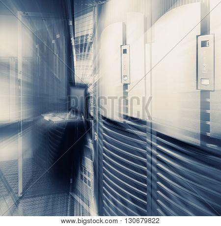 supercomputer terminal management in modern data center