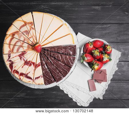 Large Round Assorted Cheesecake