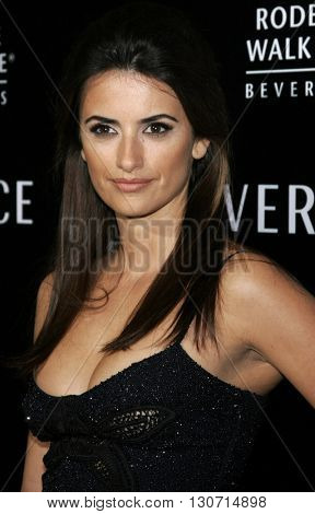 Penelope Cruz at the Rodeo Drive Walk Of Style Award honoring Gianni and Donatella Versace held at the Beverly Hills City Hall in Beverly Hills, USA on February 8, 2007.